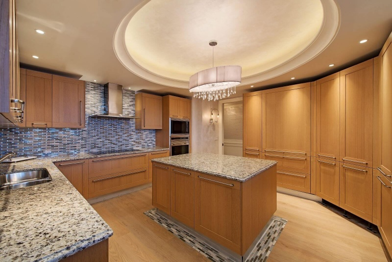 13675-Vanderbilt-Drive-print-004-10-Kitchen-4096x2734-300dpi